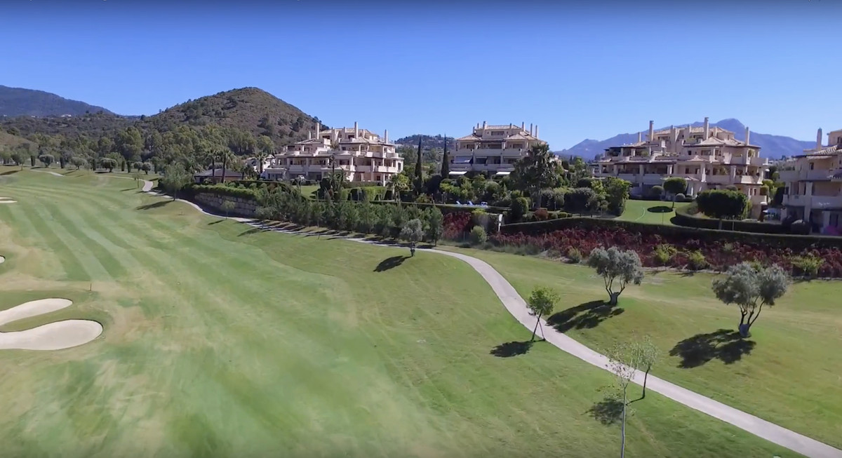 3 bedroom apartment for sale benahavis