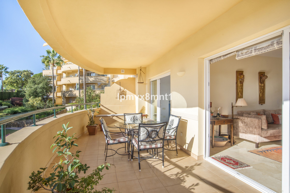 FANTASTIC MIDDLE FLOOR SOUTH FACING TWO BEDROOM APARTMENT IN ELVIRIA HILLS. IT IS A BRIGHT APARTMENT,Spain