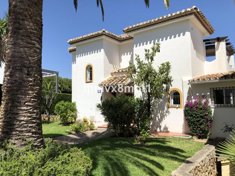 Marbella Banus Villa – Chalet en venta en Elviria – R3423958
