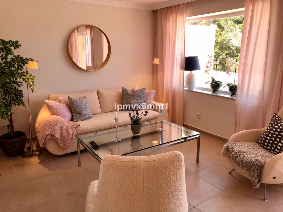Beautful and stylish townhouse in Pueblo Sueco, Elviria. This townhouse has been refurbished to high, Spain