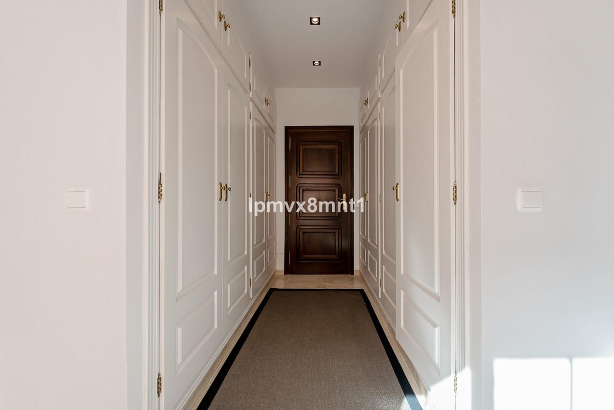 Villa – Chalet en Venta en Elviria – R3543229