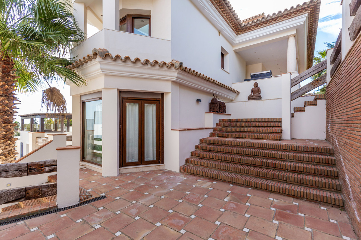 5 Bedroom Villa For Sale, Manilva