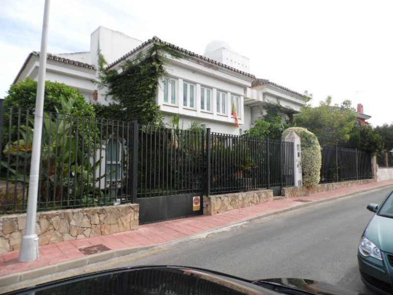 Beautiful villa in the heart of Benalmadena Costa, 50 meters from SolyMar, the famous square in Bena,Spain