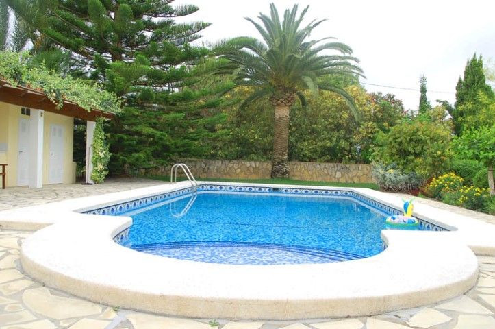 Beautiful 3 bed 2 bath detached villa with private swimming pool and extensive landscaped gardens in,Spain