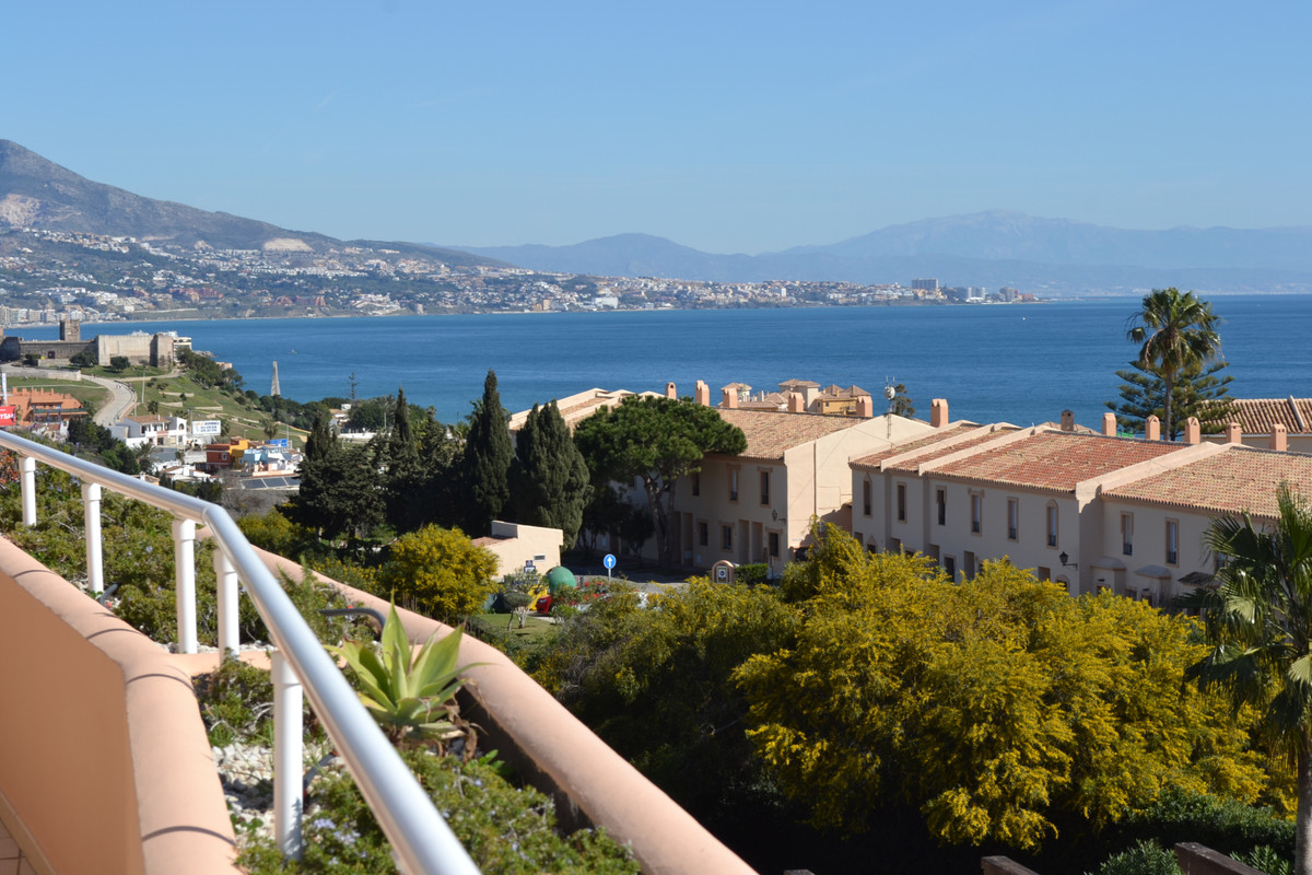 Penthouse in Club la Costa with a fantastic view of both the sea and the mountains,  Penthouse in Cl, Spain