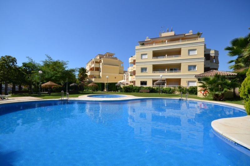 Apartment in Benalmadena Costa, 250 m from the beach. Apartment in perfect condition, located in Ben,Spain