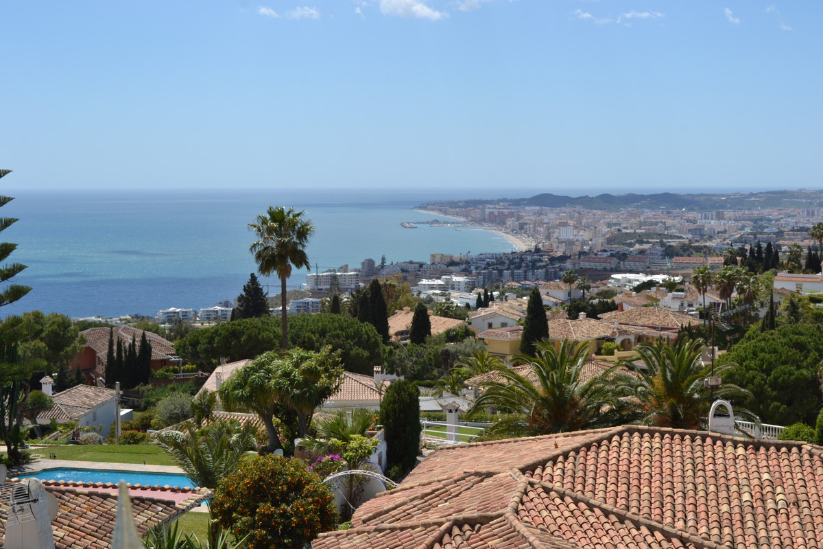 Large villa with panoramic views down the coast to the Mediterranean.  Large villa with panoramic vi,Spain