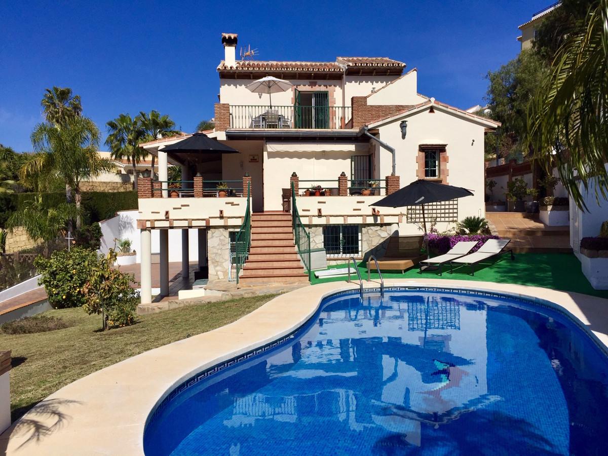 Villa  Individuelle en vente   à La Cala