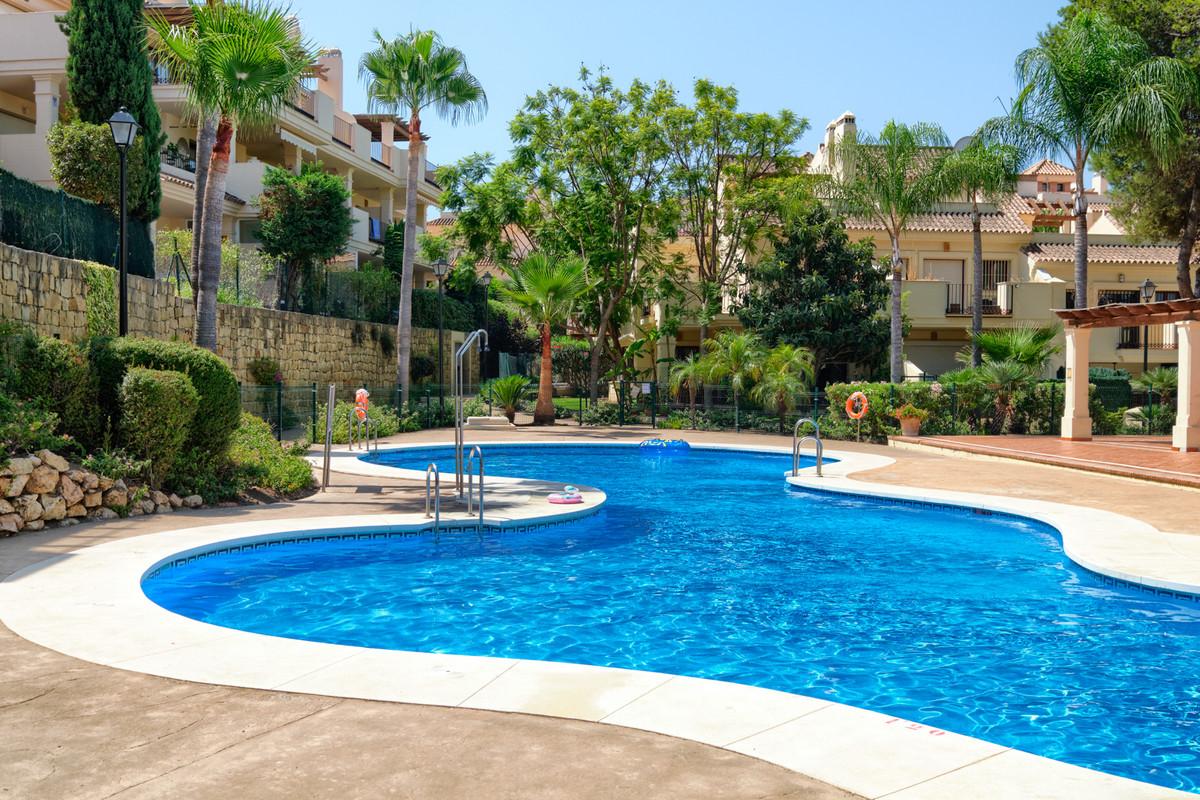 Adosado en Venta en Marbella – R3684593