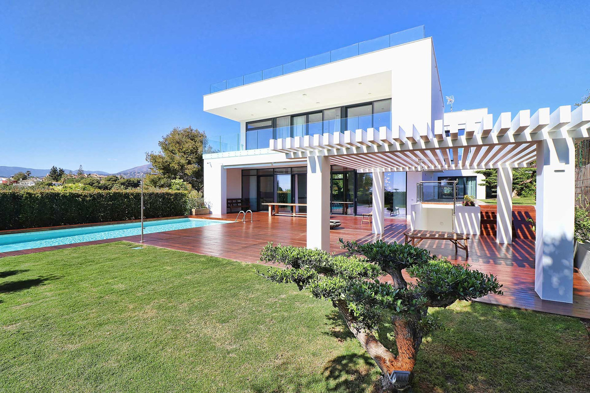 Villa Detached Marbella Málaga Costa del Sol R3677207