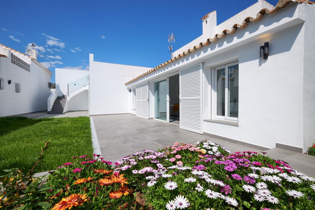 House - Estepona - R3703262 - mibgroup.es