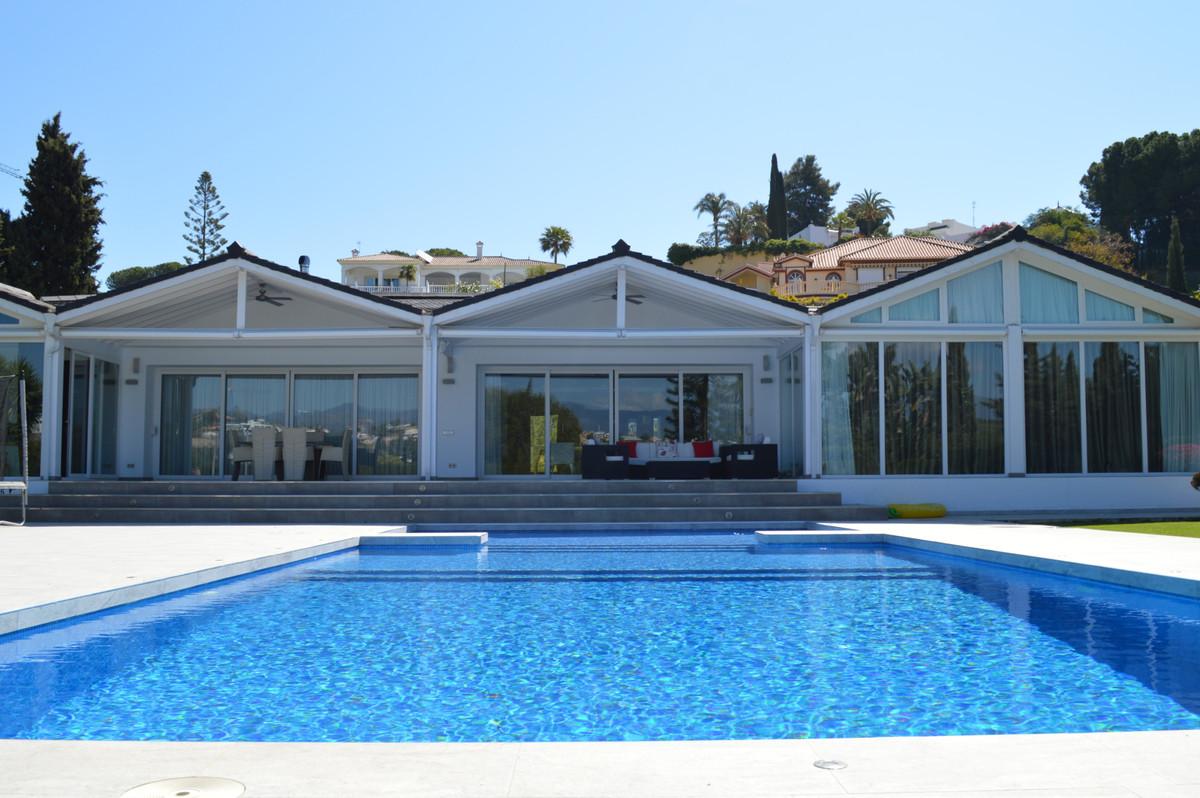 Villa – Chalet en Venta en El Paraiso – R3395056