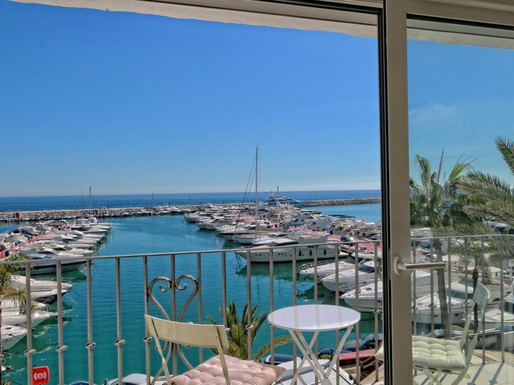 *PENTHOUSE IN THE FAMOUS PUERTO BANUS MARINA 1ST LINE *** AMAZING - ELEGANT - MODERN AND BRIGHT LUXU,Spain