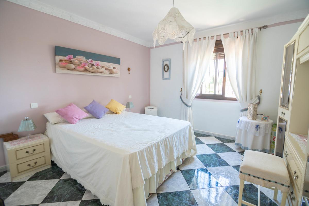R3667421 | Detached Villa in Estepona – € 395,000 – 3 beds, 2 baths