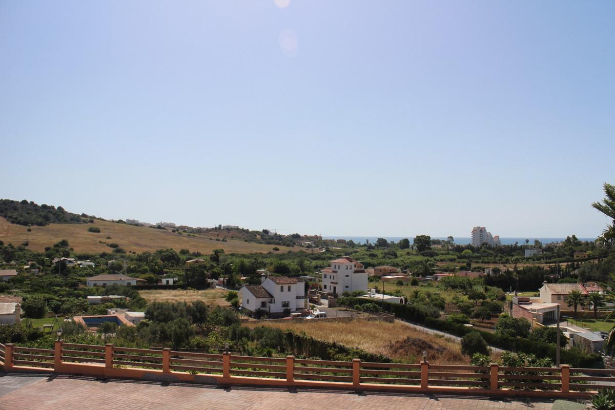 R2702705   Detached Villa in Estepona – € 2,500,000 – 5 beds, 3 baths