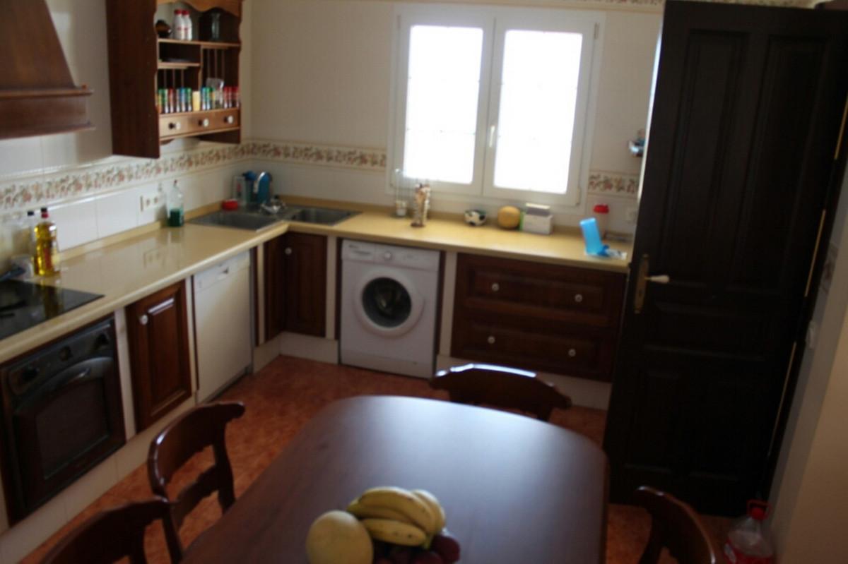 R2975870 | Detached Villa in Estepona – € 549,000 – 3 beds, 2 baths