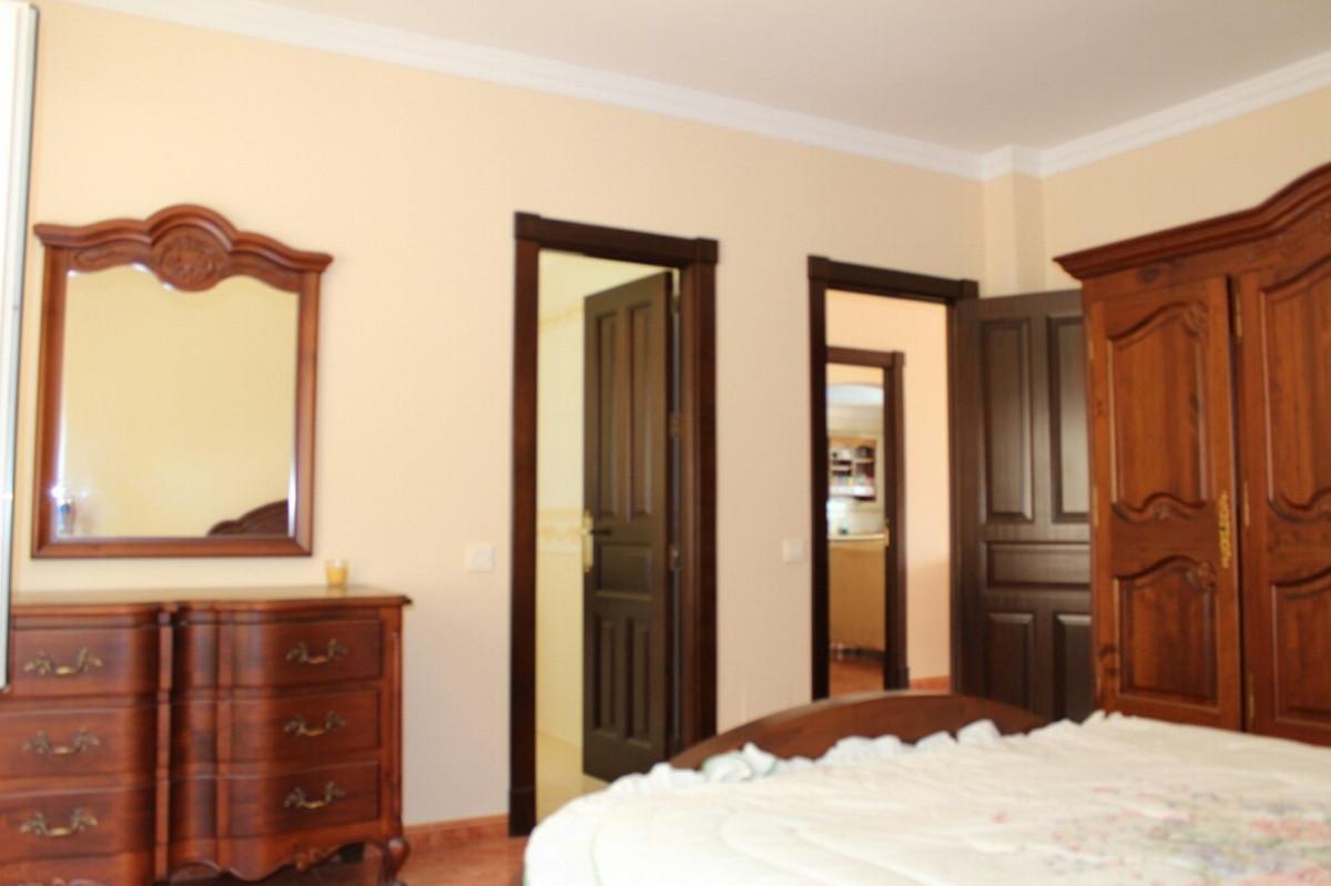 R2975870   Detached Villa in Estepona – € 549,000 – 3 beds, 2 baths
