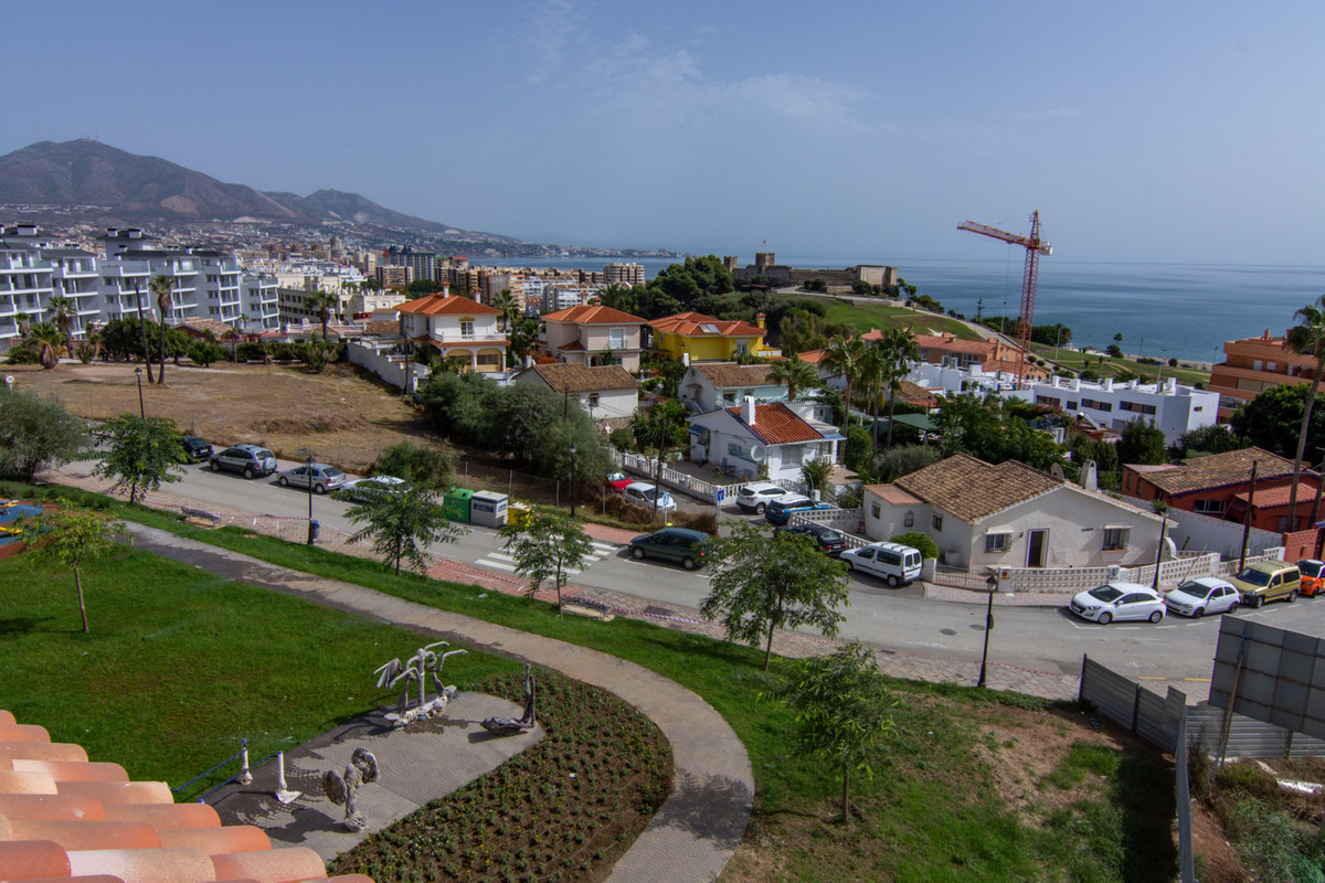 Brand new penthouse for sale in the new development Playamar II in Fuengirola ready to move in.   Th,Spain