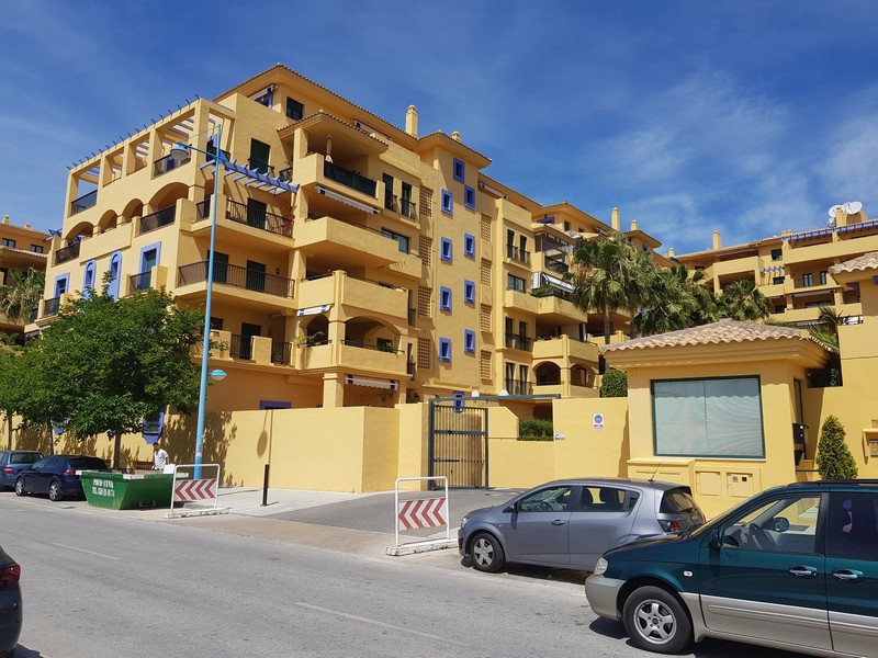 R2906120: Apartment in San Pedro de Alcántara