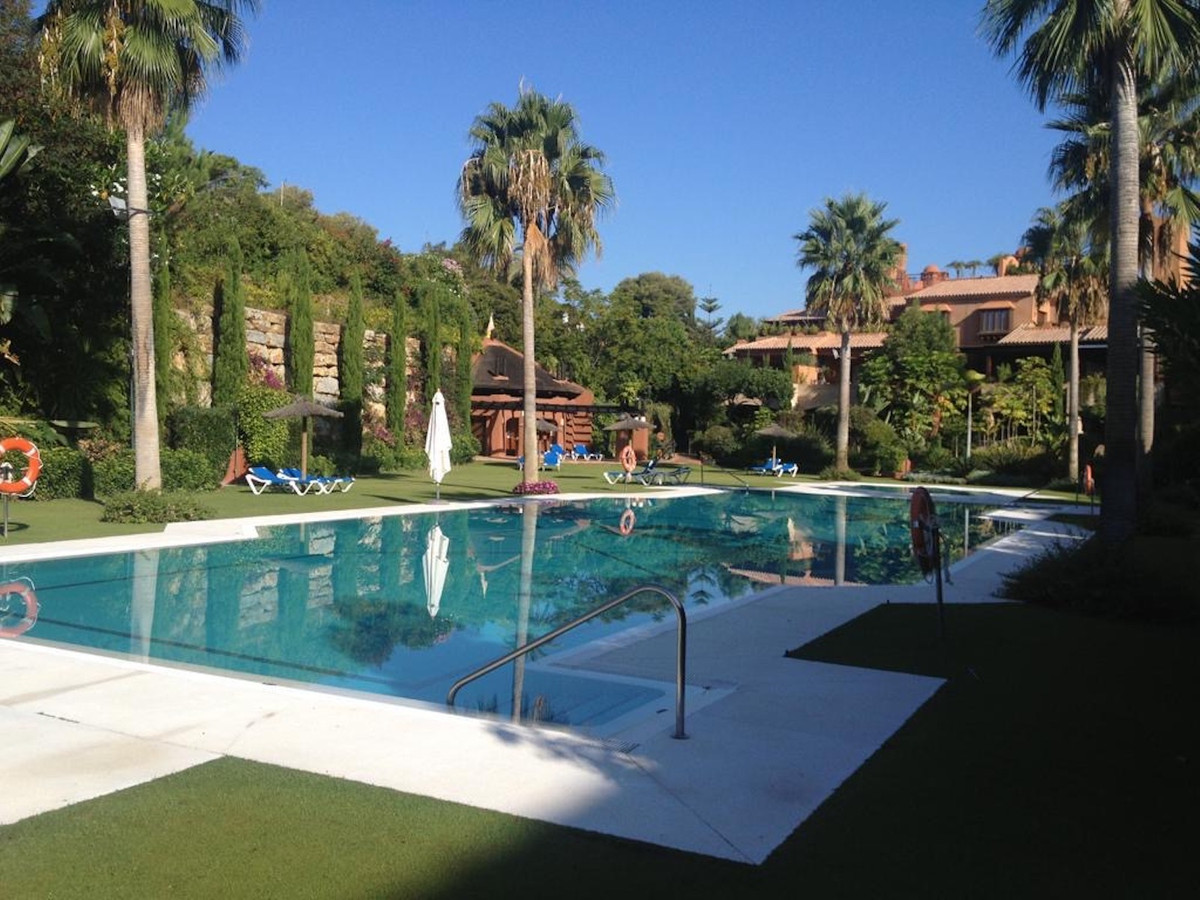 Apartment for Sale in Guadalmina Baja, Costa del Sol