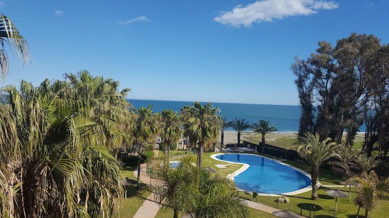 Fantastic two bedroom apartment with bathrooms in suite, located in a gated community with 24h secur, Spain