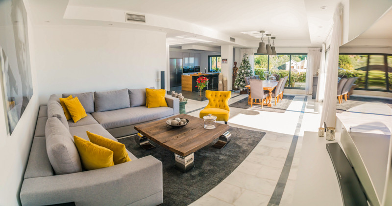 Fantastic villa in the area of El Paraiso with spectacular views of the sea, the golf course and the,Spain