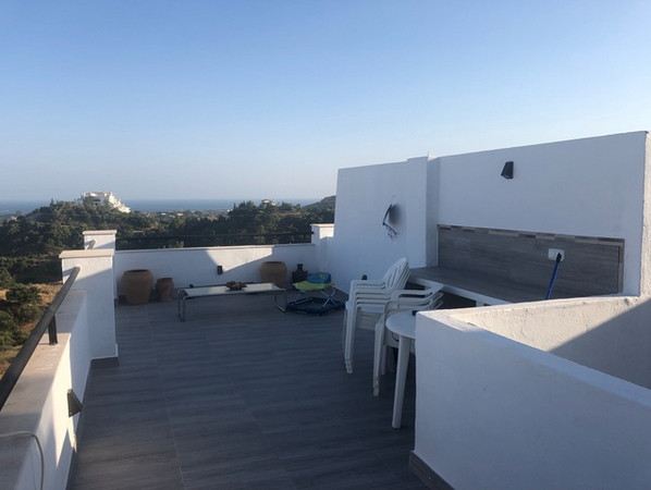 Completely renovated apartment with sea and mountain views. This property has a bedroom, a bathroom,,Spain