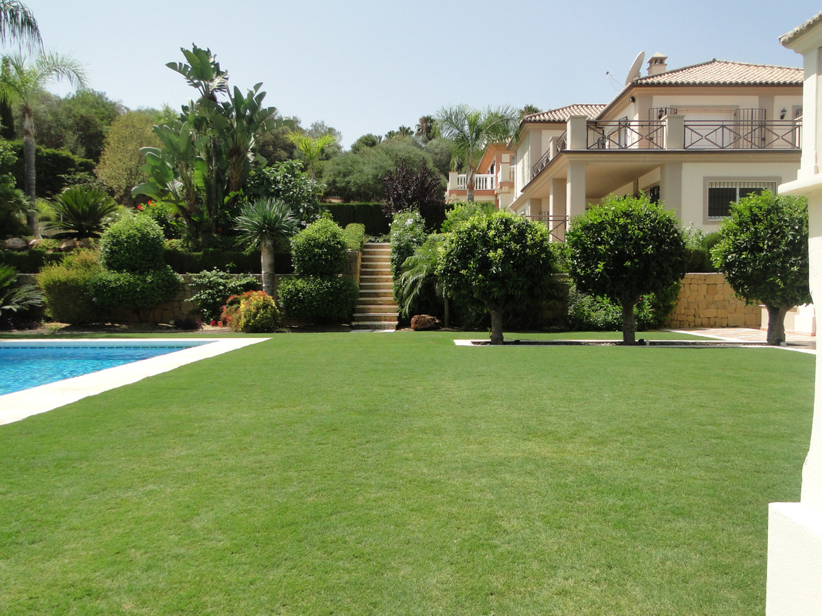 Beautiful villa in Puerto Banus, within walking distance to the beach. On the first and second floor,Spain