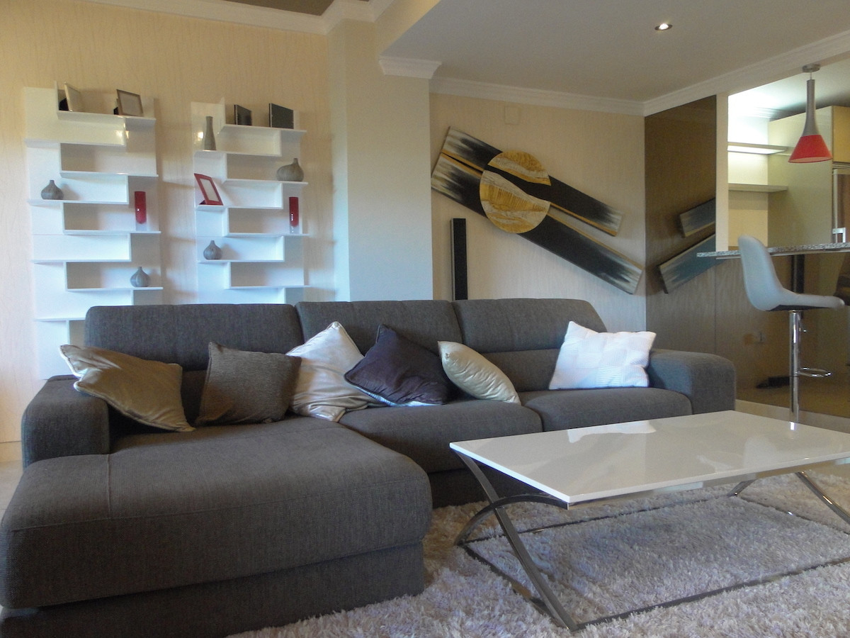 Beautiful 3 bedrooms apartment with 2 bathrooms in an Urbanistaion of Elviria, The apartment is comp,Spain
