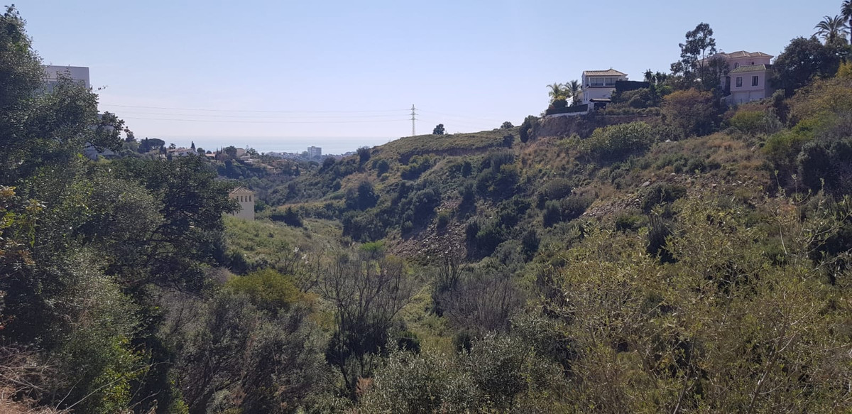 Urban plot of 1124m2 with a building capacity of 33%, located in El Rosario overlooking the sea and , Spain