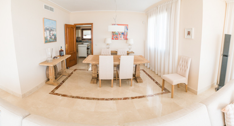 R3179773: Apartment for sale in New Golden Mile