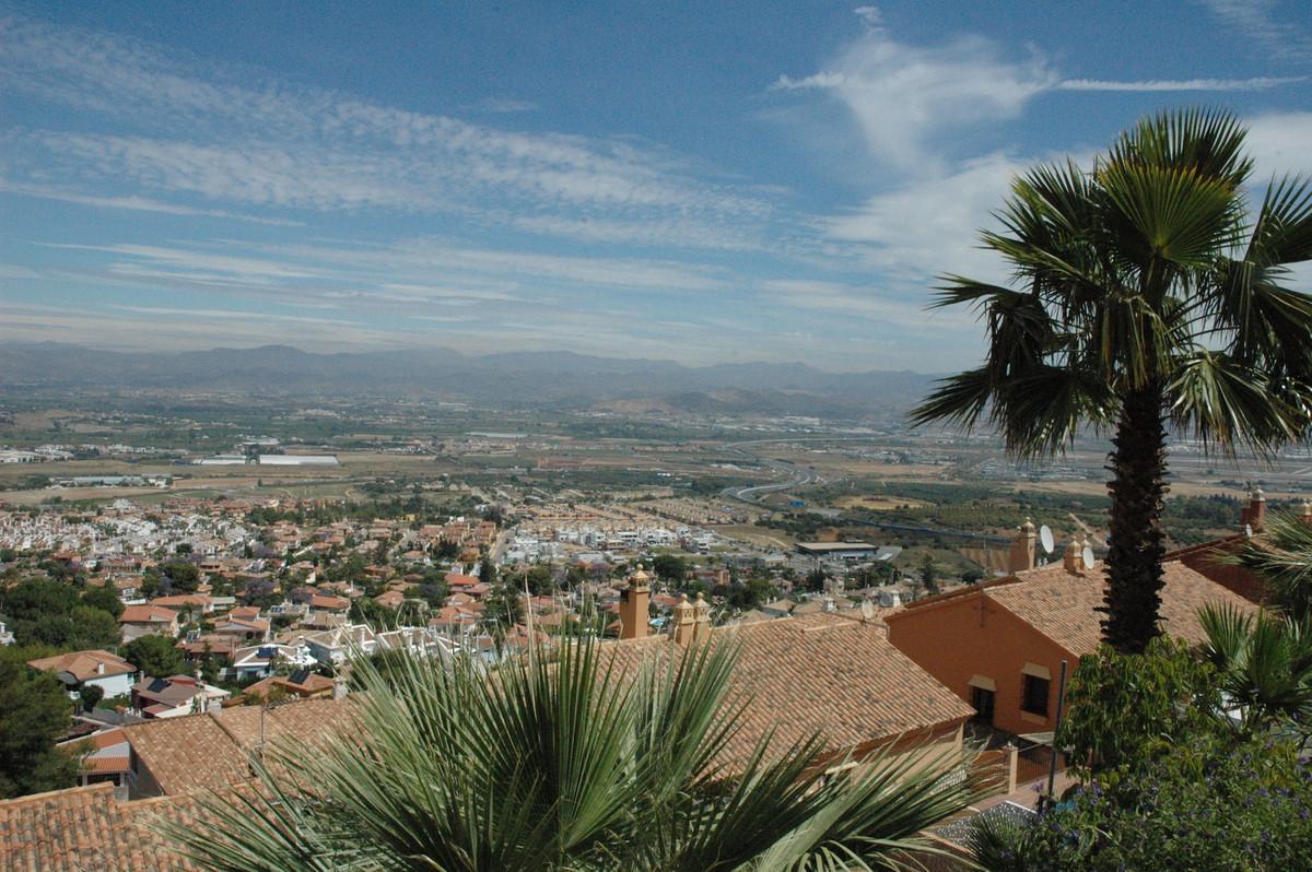 R3205048: Villa in Alhaurín de la Torre