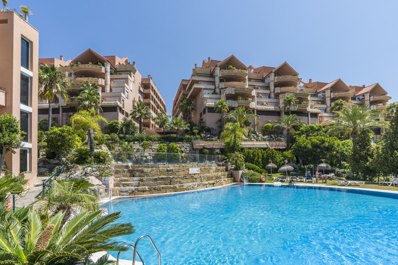 Apartments for sale in Nueva Andalucia 3