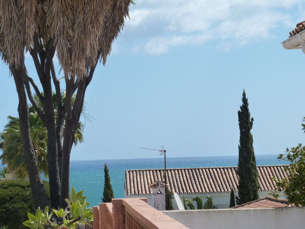This is a great investment plot allowing you to build the villa of your dreams in Urb Tropical locat, Spain