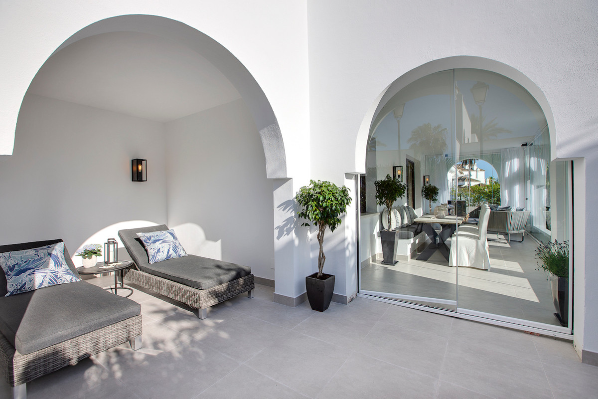 Beautiful and fully refurbished 3 bedrooms (converted from 2) apartment!  Urb. Privilegio de Marbell, Spain