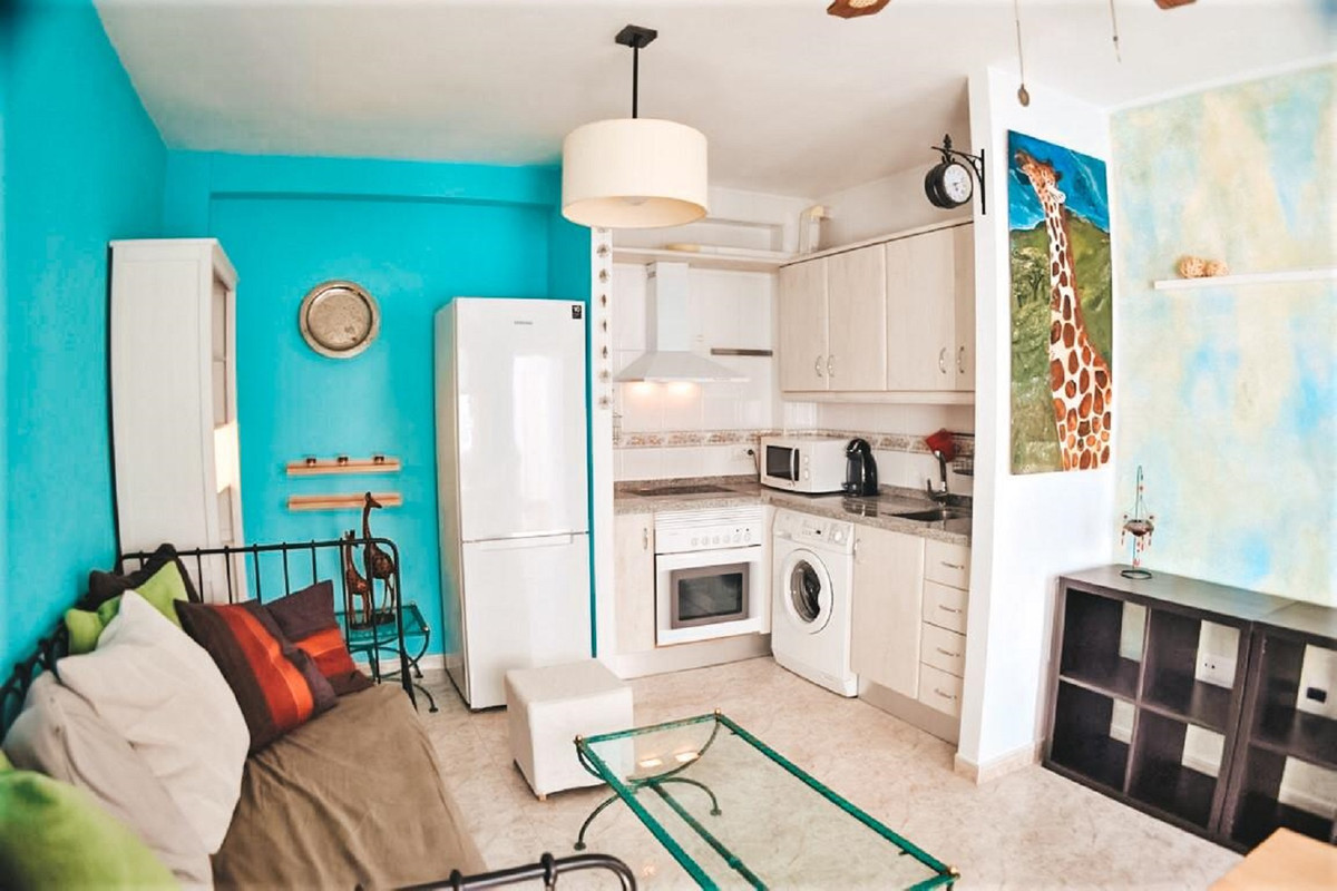 A lovely apartment with one bedroom en suite in the heart of Los Boliches, close to all the services,Spain
