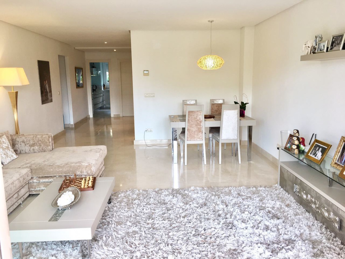 Mitte Stock Wohnung in Nueva Andalucía R2420249
