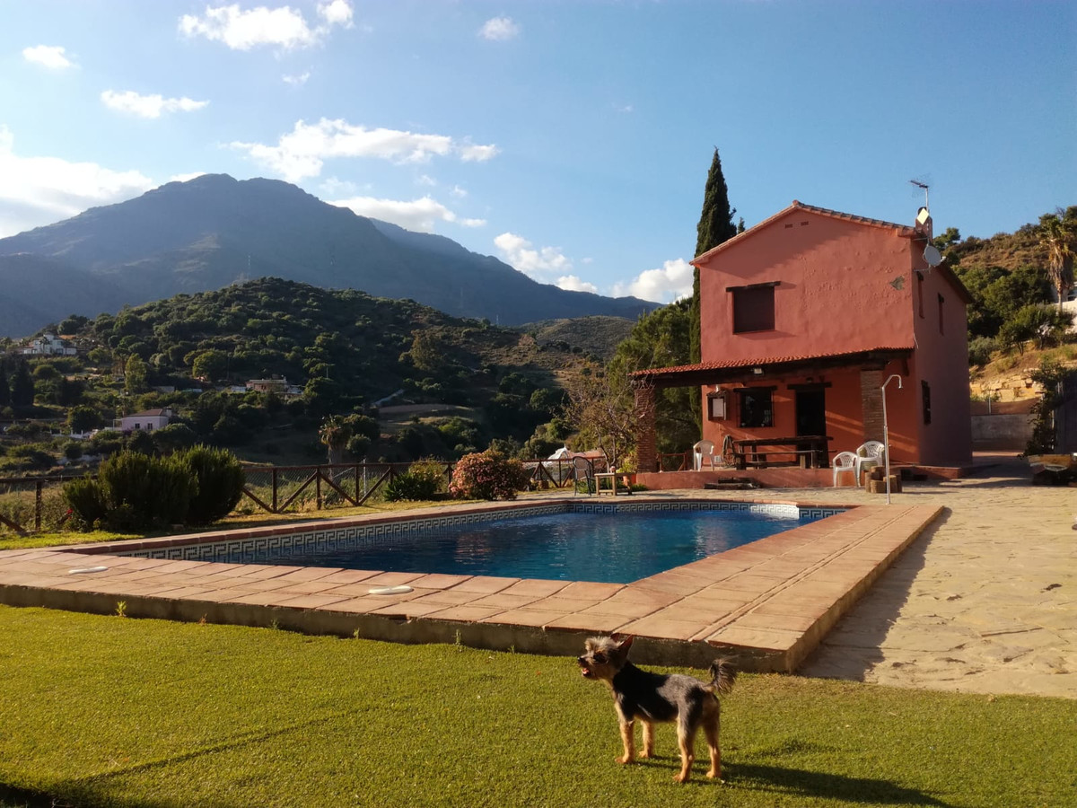 NEWLY REFUBRISHED AND BEAUTIFULLY PRESENTED 3 bed 2 bath finca in Sierra Bermeja, Estepona with easy, Spain
