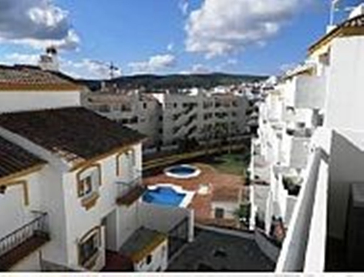 2 bed Apartment for sale in Manilva