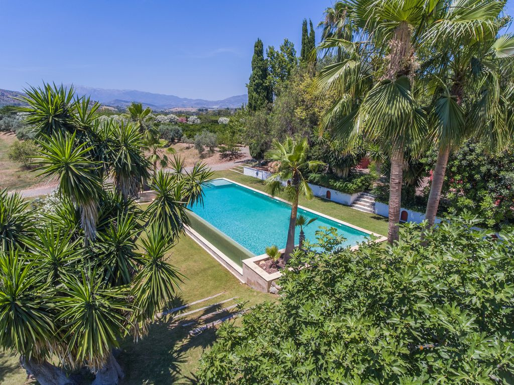 AMAZING 8/9 BED FINCA WITH EVERYTHING ONE COULD WISH FOR: SPECTACULAR VIEWS TO SIERRA DE LAS NIEVES ,Spain
