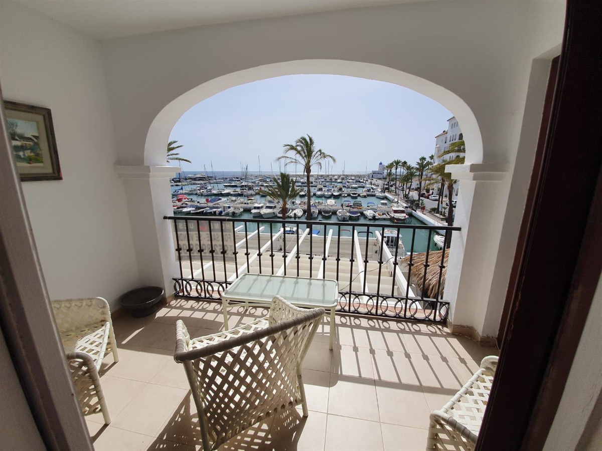 Lovely apartment with panoramic views of the port, within walking distance to the beach, completly r,Spain