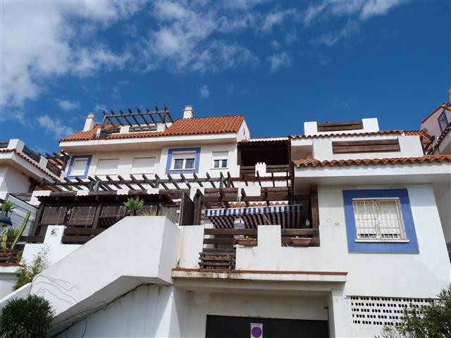 Top Floor Apartment, La Duquesa, Costa del Sol. 3 Bedrooms, 3 Bathrooms, Built 135 m², Terrace 30 m², Spain