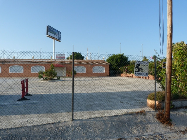 Large business premises with business licence for a restaurant, shop or school etc .Estepona. Very w,Spain