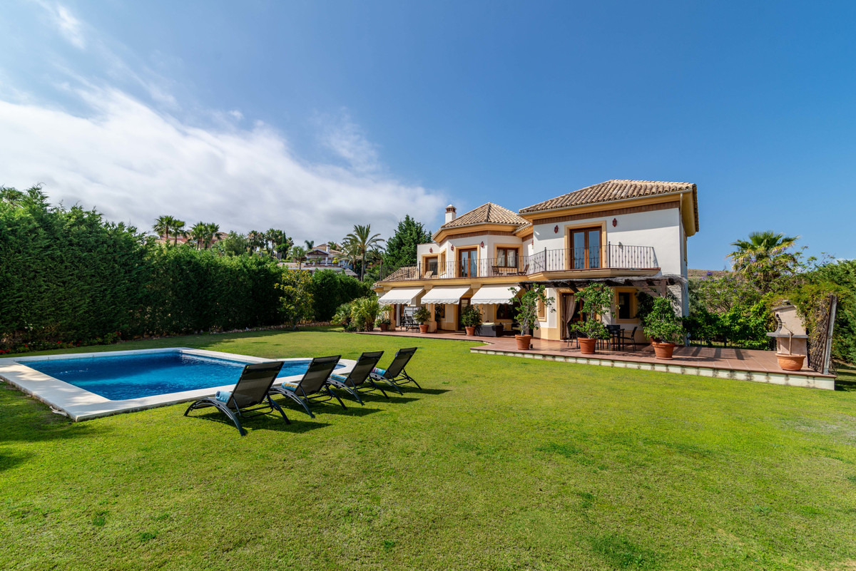 ONE OF THE MOST LUXURIOUS AND BEST EQUIPPED VILLA IN LOS FLAMINGOS with 6 bed 5.5 bath, 160m of terr, Spain