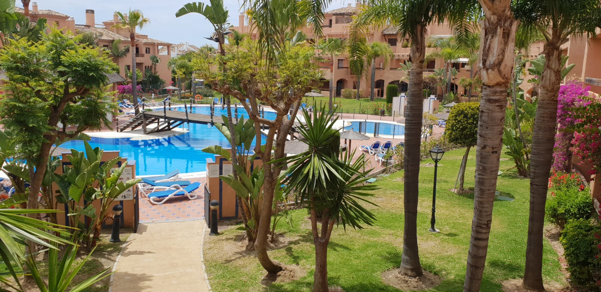 Middle Floor Apartment for sale in Estepona