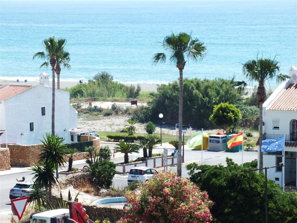 Good size south facing Townhouse with super sea views, private garden and a short walk to the Beach,,Spain