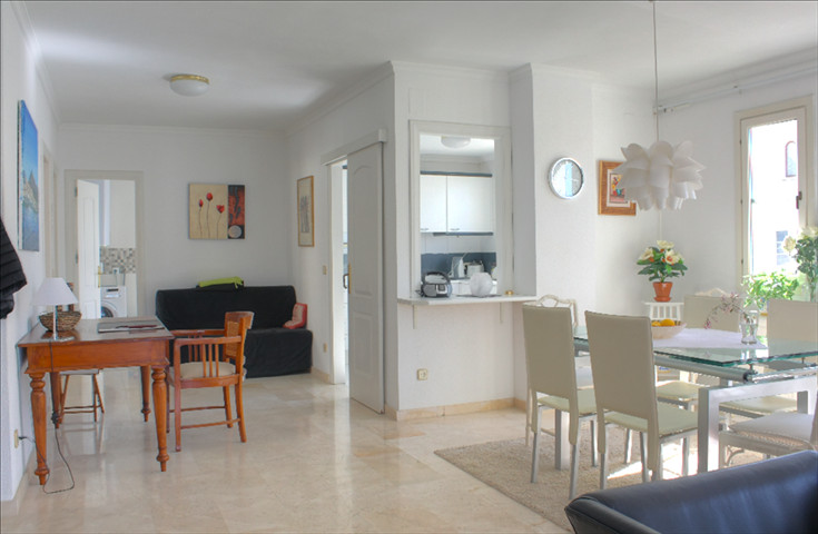 Apartment in El Paraiso
