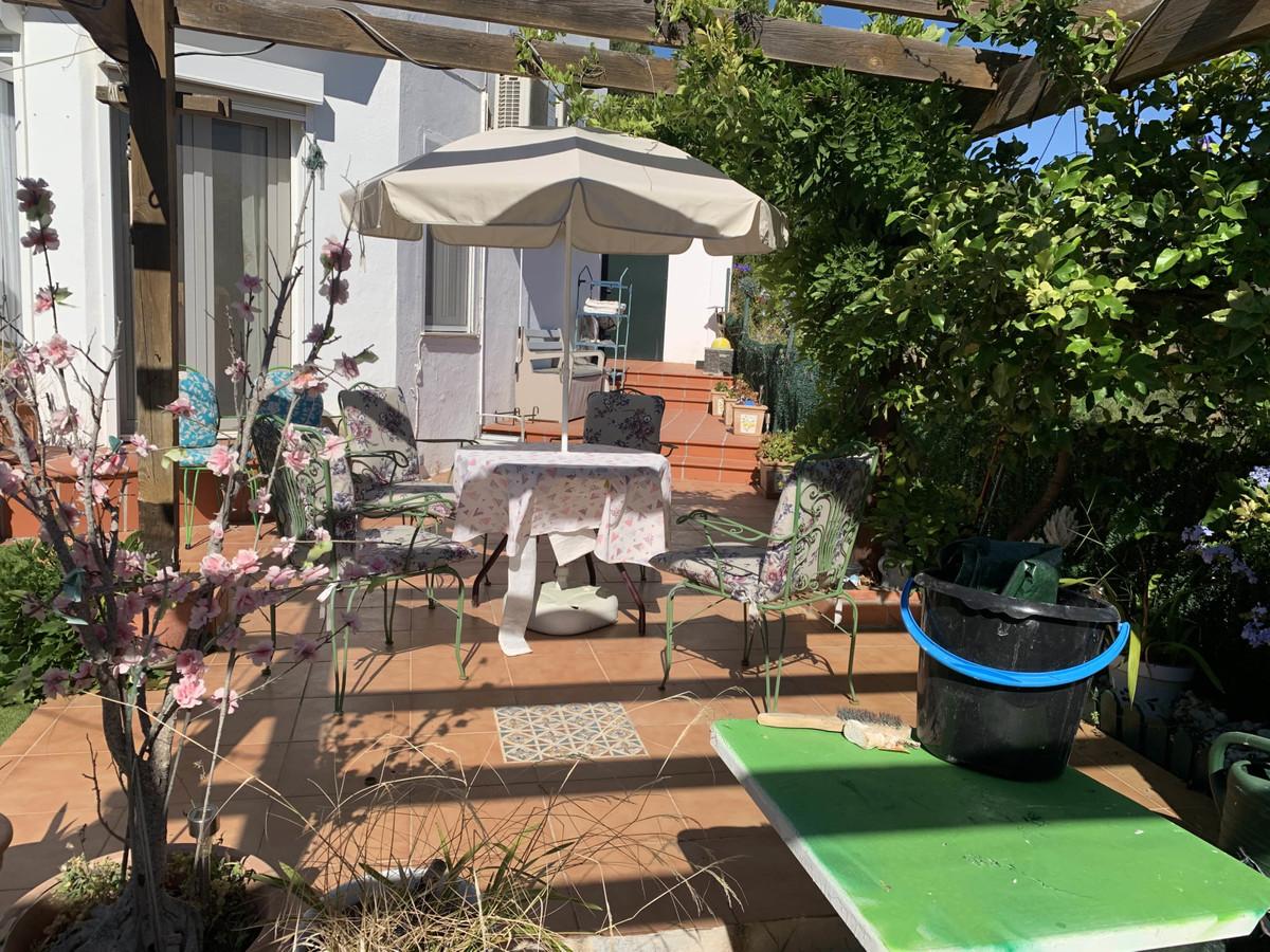 R3667823 | Semi-Detached House in Estepona – € 265,000 – 3 beds, 3 baths