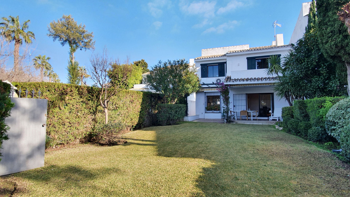 Located within walking distance to the beach a beautiful 5 bedroom family home offering a comfortabl, Spain