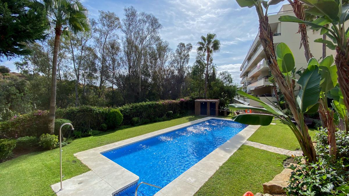 Marbella Banus Apartamento en Venta en Calahonda – R3731926